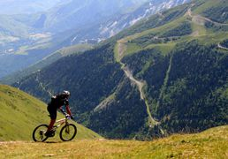 The MOUNTAIN BIKE to the Pla d' Adet, to Saint-Lary in Pyrenees