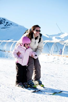 Ski and sled in family to Saint-Lary in Pyrenees