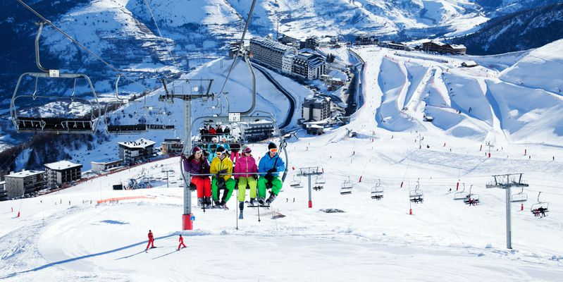 Saint-Lary, the resort star of Pyrenees, under the snow